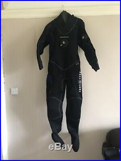 Aqua Lung Mens M/L Neoprene Dry Suit With Hood And Gloves