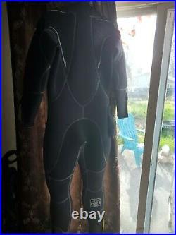 Body Glove Atlas infrared Semi Dry Suit scuba suit, men's size large