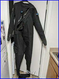 Body Glove Scuba Diving Drysuit Men's Large with Carrying Bag