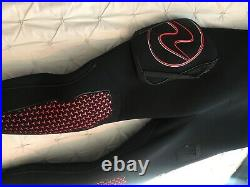 Brand New Aqua Lung drysuit size- ML 40 Womans /Mens 2020 Never Used