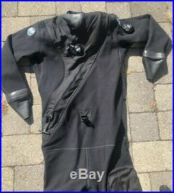 DUI CF200X DRYSUIT Medium M Black and in Great Condition SCUBA Shoes inc