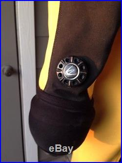 Diving Concepts Custom Drysuit Scuba Diving Yellow Black, Socks & Dry Gloves