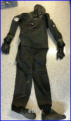 Diving Concepts SCUBA Dry Suit with Thermal Undergarment & Bag LARGE Very Good