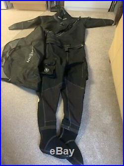 Drysuit xl Aqua Lung. Only been used 8 freshwater dives, excellent condition