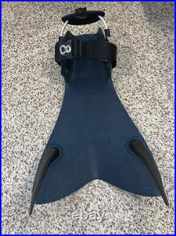 Force Fins adjustable to fit dry suit boots. Scuba Dive Fins Forcefins