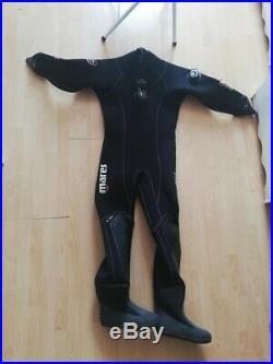 Mens medium mares pro fit scuba dry suit. Size 10 boot. Great condition