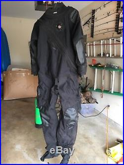 OMS BCD / Dry suit / Scuba Regulators