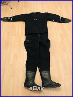Oceanic scuba diving dry suit