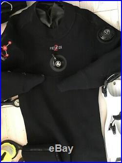 Scuba. Predator 2 medium dry suit