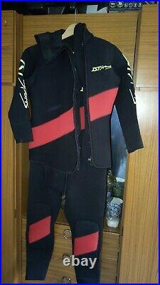 Scuba divers semi dry suit medium