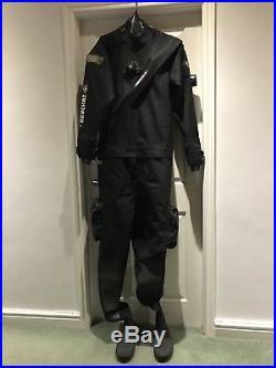Scuba diving dry suit beauchat
