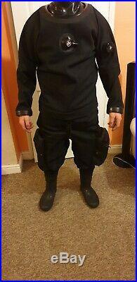 Scuba diving oceanic adura dry suit