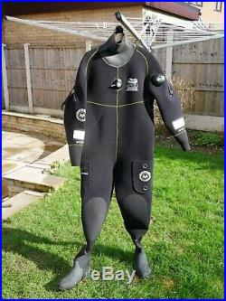 Scuba package drysuit, 15l cylinder, regulators, bcd/wing, regulators