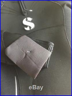 Scubapro Definition Scuba Diving Suit Wetsuit 5mm Look Small