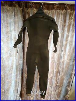 Size medium womens Neilpryde Protection Semi Dry suit, WetSuit, scuba gear